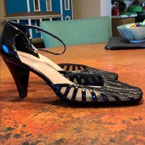 Aerosoles, size 10 black heel.